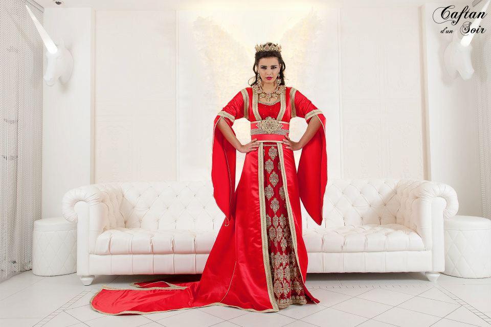 Robe orientale mariage bordeaux