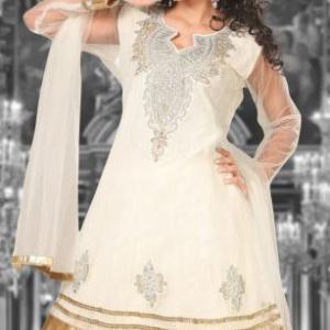 lehenga-choli-blanc-casse-mariage