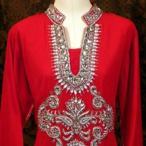 robe-dubai-rouge-location-pas-cher