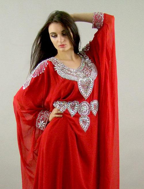 Robe rouge et argent