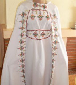 robe-kabyle-blanche-pas-cher