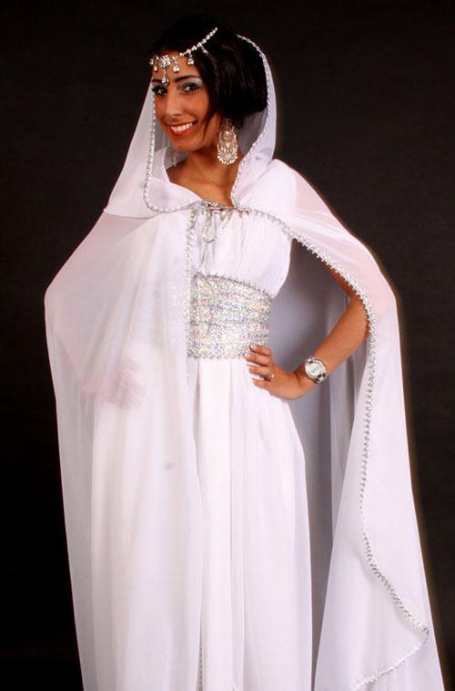 Robe kabyle blanche satin de soie pas cher for Robes de taille plus pas cher pour les mariages