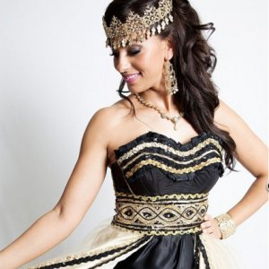 robe-kabyle-noir-or