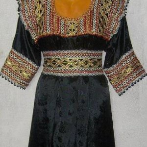 robe-kabyle-noir-sans-manche