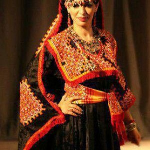 robe-kabyle-rouge-broderie