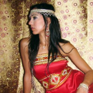 robe-kabyle-rouge-dore-pas-cher