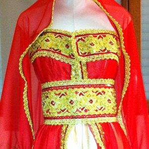 robe-kabyle-rouge-satin-duchesse