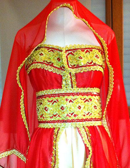 robe kabyle rouge satin duchesse pas cher. Black Bedroom Furniture Sets. Home Design Ideas