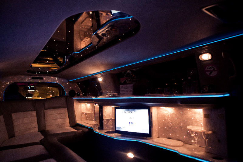 location voiture de mariage montpellier vip cars voiture. Black Bedroom Furniture Sets. Home Design Ideas