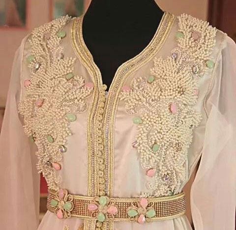 Caftan dubai perlé modèle papillon avec perles et strass pas cher 88b77682c97