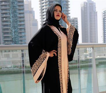 robe dubai avec hijab manches evasées