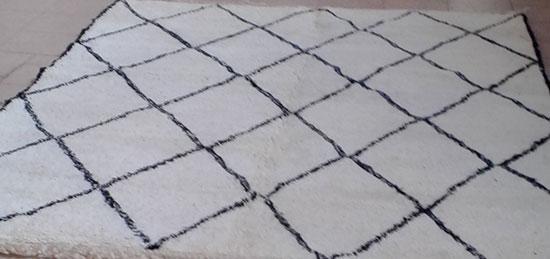 tapis berb re vente tapis berbere laine noir et blanc pas cher. Black Bedroom Furniture Sets. Home Design Ideas