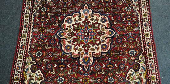 tapis persan bleu et rouge